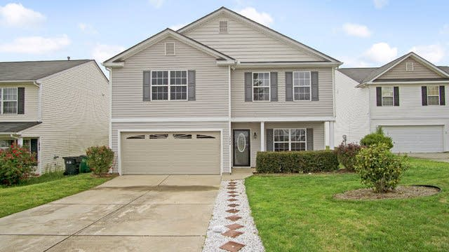Photo 1 of 17 - 1749 Harland St, Charlotte, NC 28216
