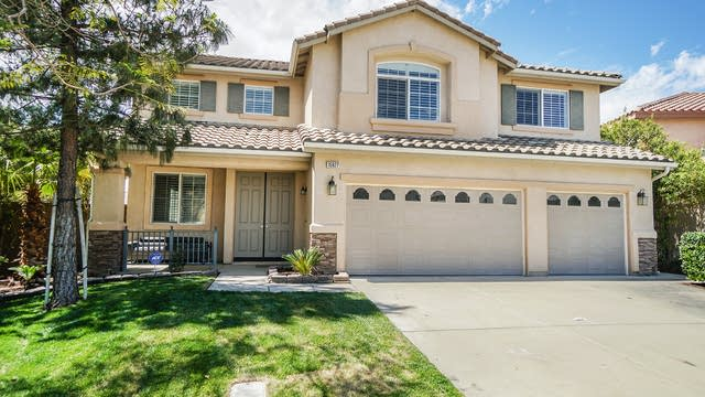 Photo 1 of 17 - 15927 Baltray Way, Fontana, CA 92336