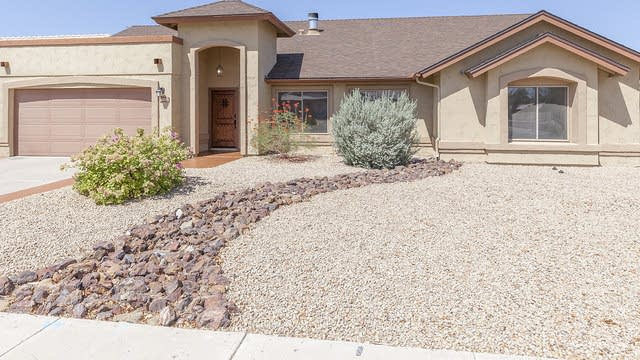 Photo 1 of 28 - 4202 W Questa Dr, Glendale, AZ 85310
