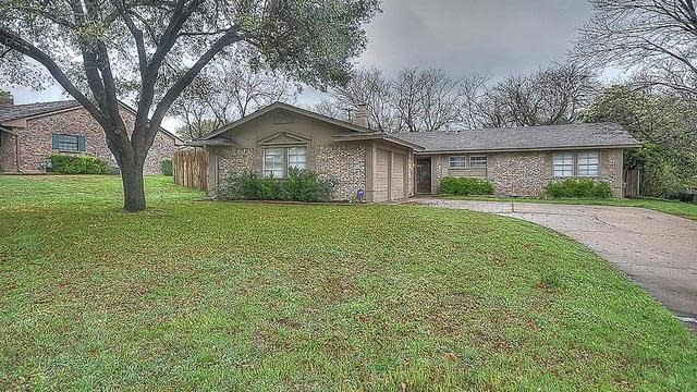 Photo 1 of 24 - 6936 Bal Lake Dr, Fort Worth, TX 76116