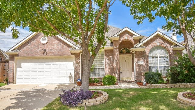 Photo 1 of 37 - 9425 Vista Cir, Irving, TX 75063
