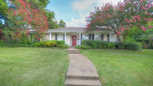 Photo 1 of 24 - 12326 Cedar Bend Dr, Dallas, TX 75244