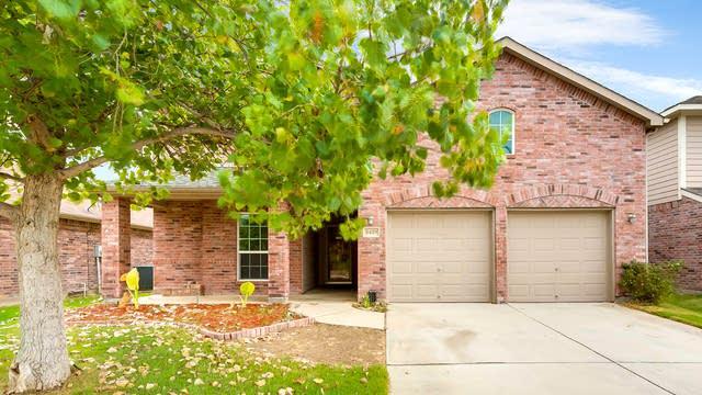 Photo 1 of 26 - 3429 Medlin Ranch Rd, Roanoke, TX 76262