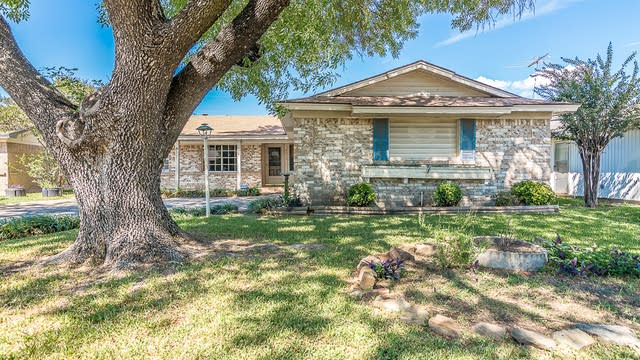 Photo 1 of 25 - 4517 Bucknell Dr, Garland, TX 75042