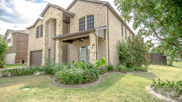 Photo 1 of 28 - 501 Lipizzan Ln, Celina, TX 75009