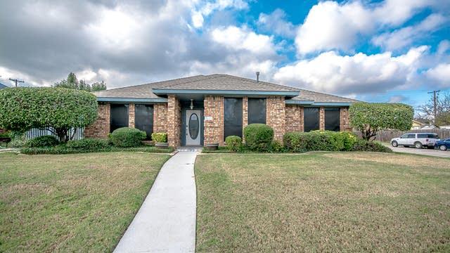 Photo 1 of 30 - 3813 Bond St, Rowlett, TX 75088