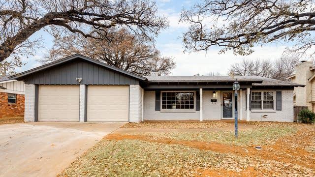 Photo 1 of 29 - 7229 Ellis Rd, Fort Worth, TX 76112
