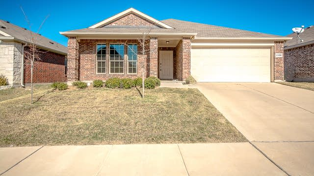 Photo 1 of 20 - 1428 Red Dr, Little Elm, TX 75068