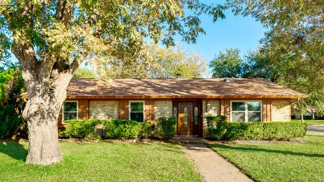 Photo 1 of 21 - 1725 Santa Rosa Ct, Grand Prairie, TX 75051