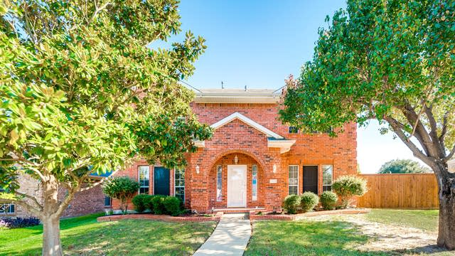 Photo 1 of 25 - 2438 Whitetail Dr, Mesquite, TX 75181