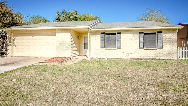 Photo 1 of 25 - 5417 Baker Dr, The Colony, TX 75056