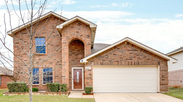 Photo 1 of 28 - 1124 Junegrass Ln, Crowley, TX 76036