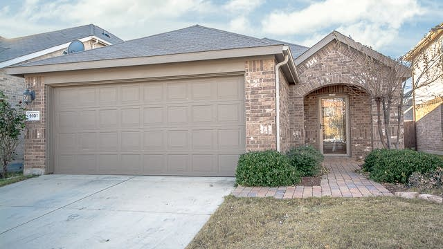 Photo 1 of 24 - 9101 Sun Haven Way, Fort Worth, TX 76244