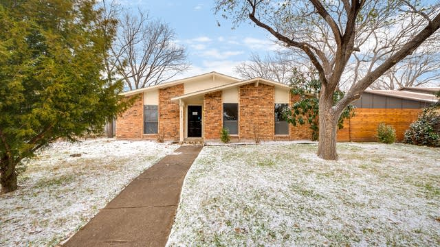 Photo 1 of 26 - 2114 Montana Trl, Grand Prairie, TX 75052