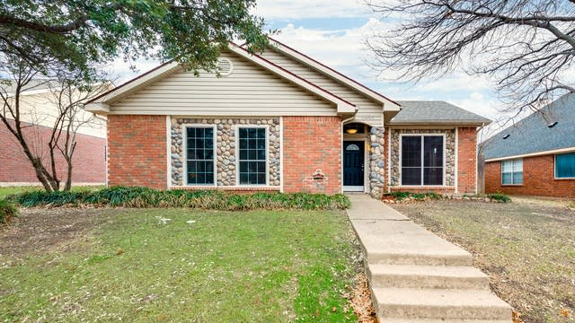Photo 1 of 27 - 8594 Creekview Dr, Frisco, TX 75034