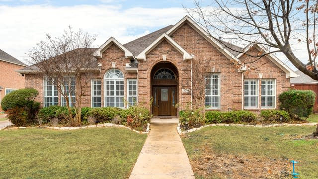 Photo 1 of 26 - 2211 Timberline Dr, Carrollton, TX 75007