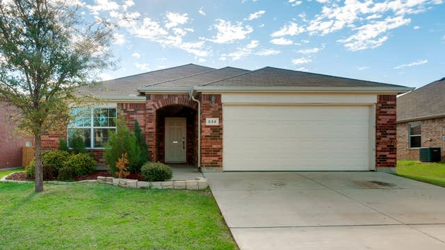 Photo 1 of 27 - 938 Mazatlan Dr, Arlington, TX 76002