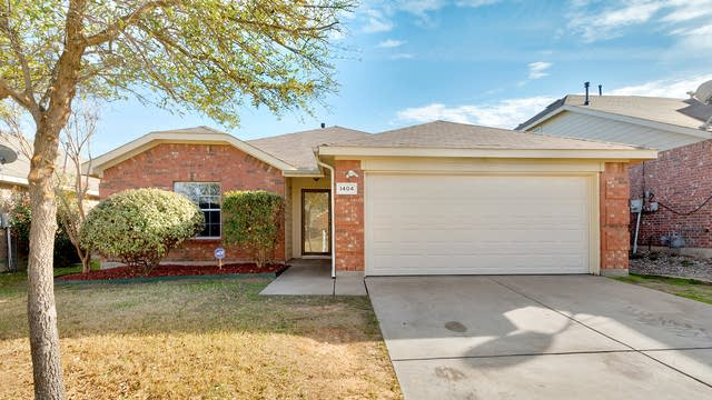 Photo 1 of 25 - 1404 Bluff Oak Way, Fort Worth, TX 76131