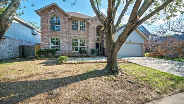 Photo 1 of 30 - 3113 Clovermeadow Dr, Fort Worth, TX 76123