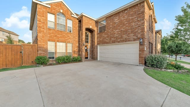 Photo 1 of 35 - 9024 Silsby Dr, Fort Worth, TX 76244