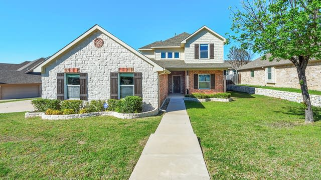 Photo 1 of 30 - 7404 Rocky Ford Rd, Fort Worth, TX 76179
