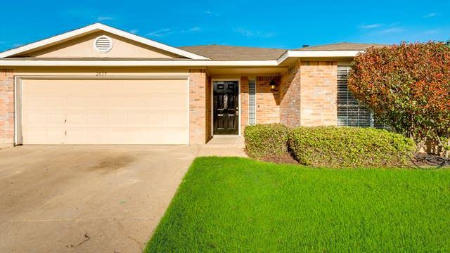 Photo 1 of 28 - 2039 Angelica Way, Dallas, TX 75217