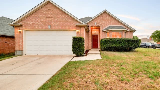 Photo 1 of 28 - 7864 Orland Park Cir, Fort Worth, TX 76137