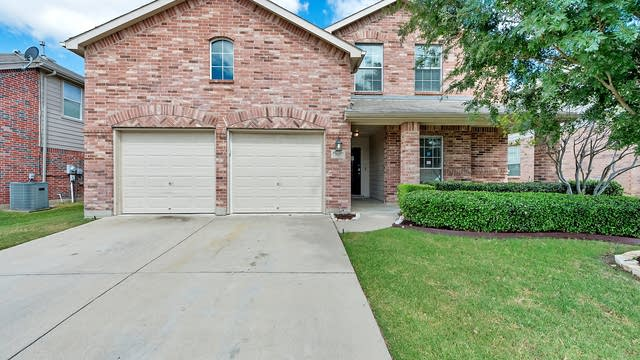 Photo 1 of 30 - 9125 Liberty Crossing Dr, Fort Worth, TX 76131