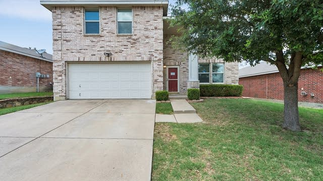 Photo 1 of 26 - 740 Tuscany Trl, Fort Worth, TX 76179