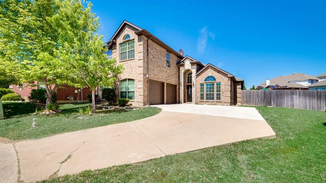 Photo 1 of 29 - 4108 Briarcreek Dr, Fort Worth, TX 76244