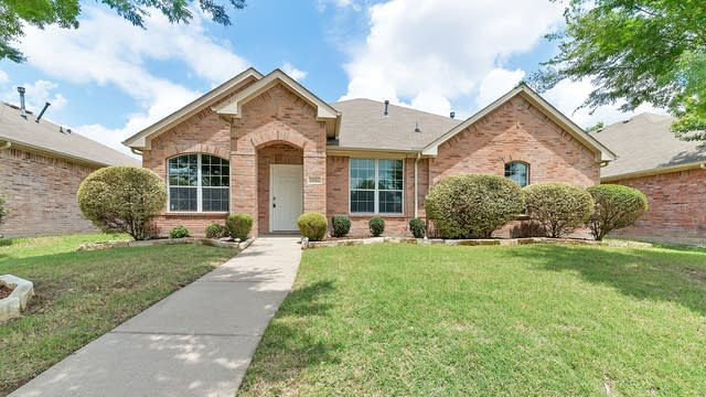 Photo 1 of 24 - 1331 Ransom Dr, Lancaster, TX 75146