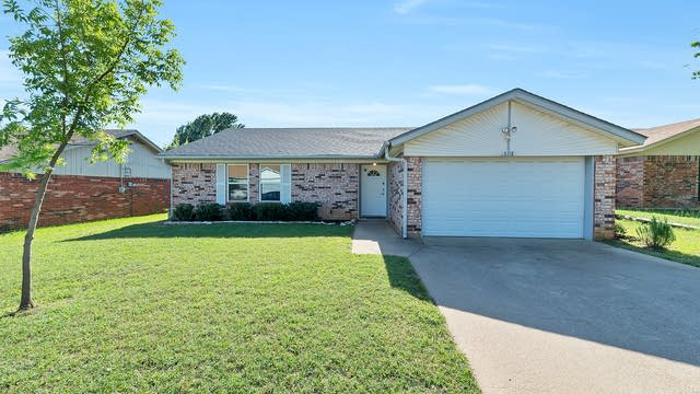 Photo 1 of 21 - 6218 Cool Springs Dr, Arlington, TX 76001