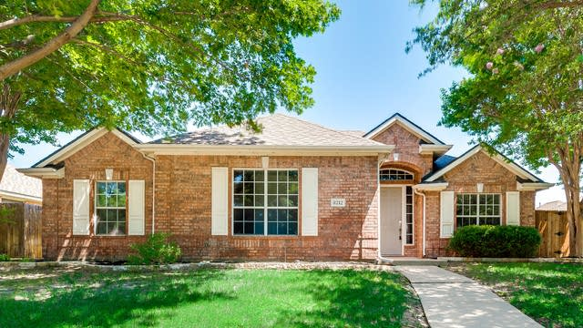 Photo 1 of 31 - 8212 Pioneer Dr, Frisco, TX 75034