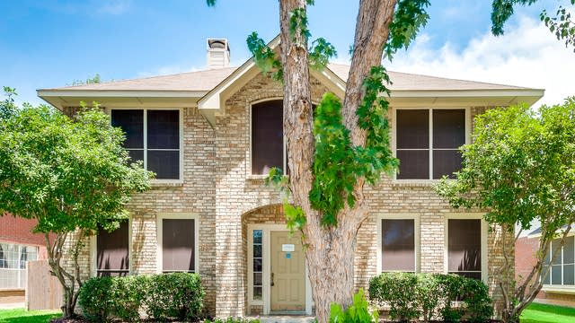 Photo 1 of 34 - 976 Cassion Dr, Lewisville, TX 75067