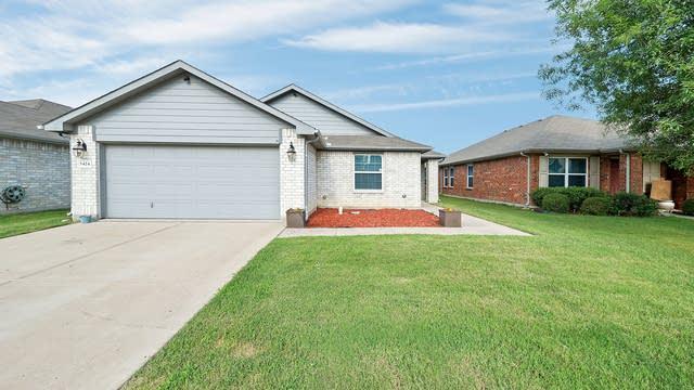 Photo 1 of 27 - 5424 Cameron Dr, Grand Prairie, TX 75052