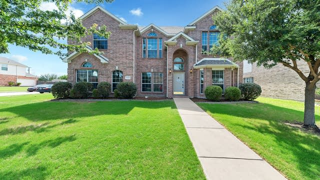 Photo 1 of 40 - 5243 Woodfield Dr, Grand Prairie, TX 75052