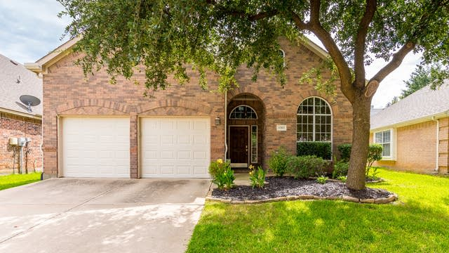 Photo 1 of 33 - 4005 Kimberly Dr, Flower Mound, TX 75022
