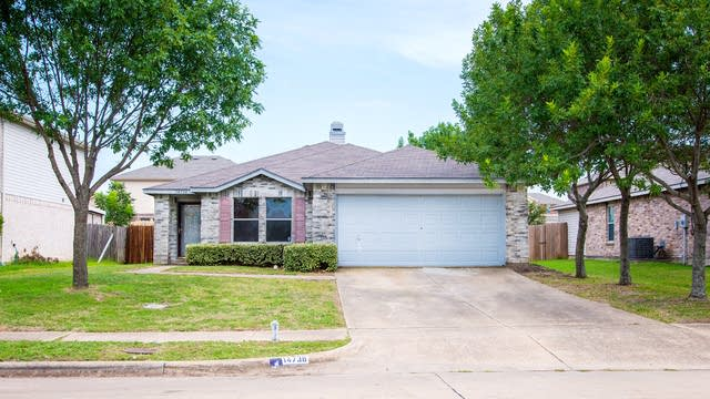 Photo 1 of 25 - 14736 Bridle Bend Dr, Balch Springs, TX 75180
