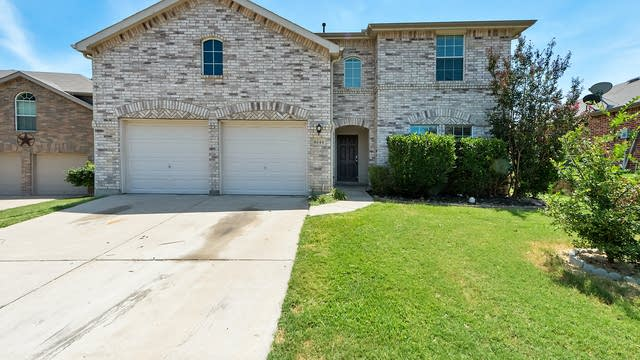 Photo 1 of 32 - 6144 Paddlefish Dr, Fort Worth, TX 76179