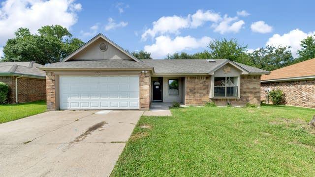 Photo 1 of 23 - 1016 Westcliff Ave, Saginaw, TX 76179
