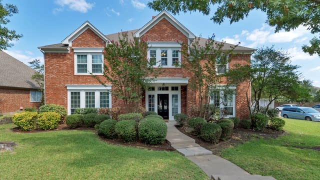 Photo 1 of 28 - 8029 Dusty Way, Fort Worth, TX 76123