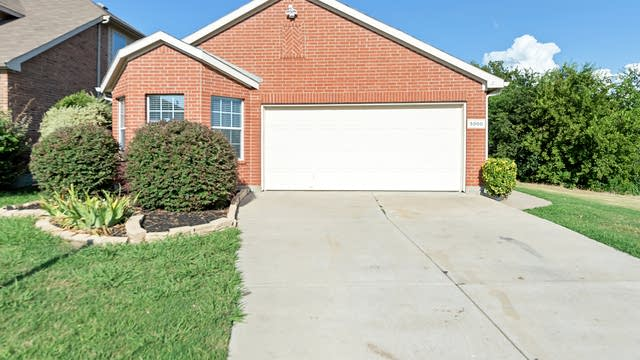 Photo 1 of 23 - 5800 Melanie Ct, Fort Worth, TX 76131