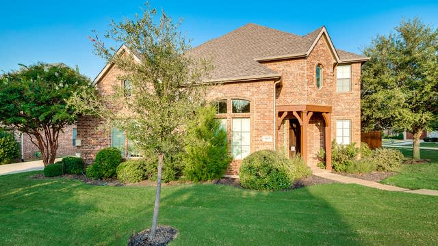 Photo 1 of 36 - 9155 Calvert Rd, Lantana, TX 76226