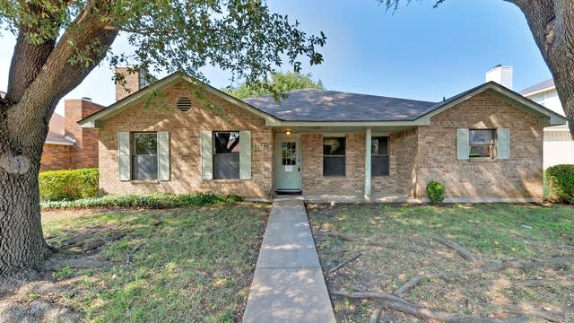 Photo 1 of 25 - 923 Wayne Ave, Duncanville, TX 75137
