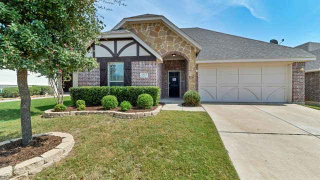 Photo 1 of 26 - 5217 Katy Rose Ct, Fort Worth, TX 76126
