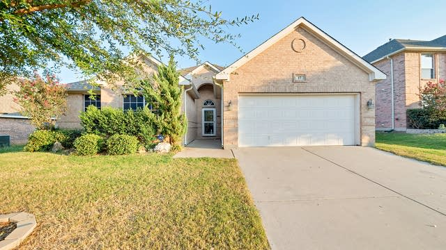 Photo 1 of 27 - 17 Spring Garden Dr, Fort Worth, TX 76134