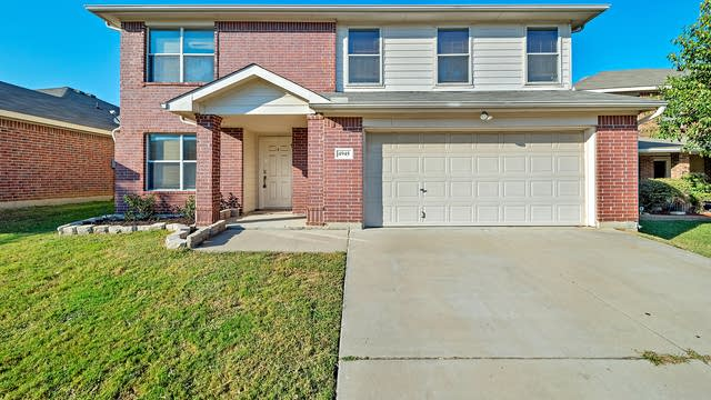 Photo 1 of 26 - 4945 Chaps Ave, Fort Worth, TX 76244