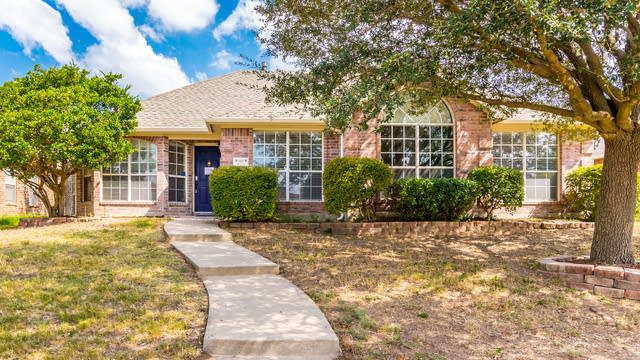 Photo 1 of 35 - 8160 Wales Dr, Frisco, TX 75035