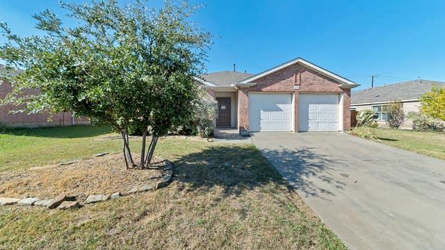 Photo 1 of 23 - 1405 Gilday Dr, Arlington, TX 76002