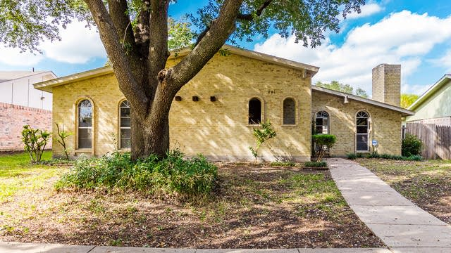 Photo 1 of 26 - 441 Thistle Dr, Garland, TX 75043